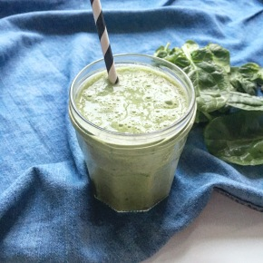Peanut Butter, Banana, Kale: Your Protein Green Smoothie this winter!